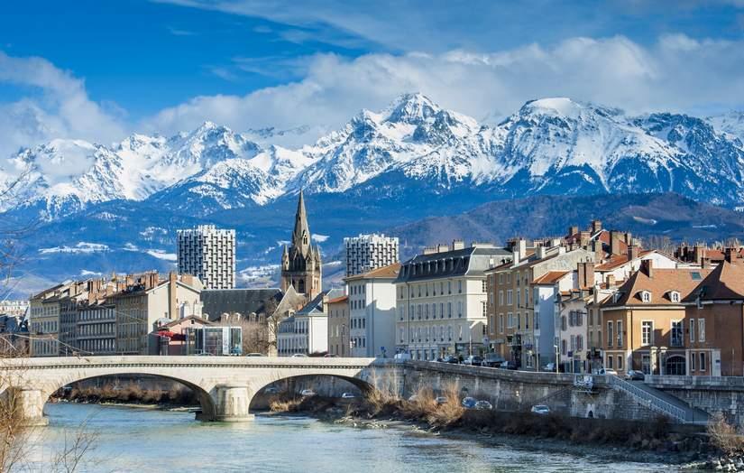 Стипендии для иностранных магистрантов от University of Grenoble в 2017