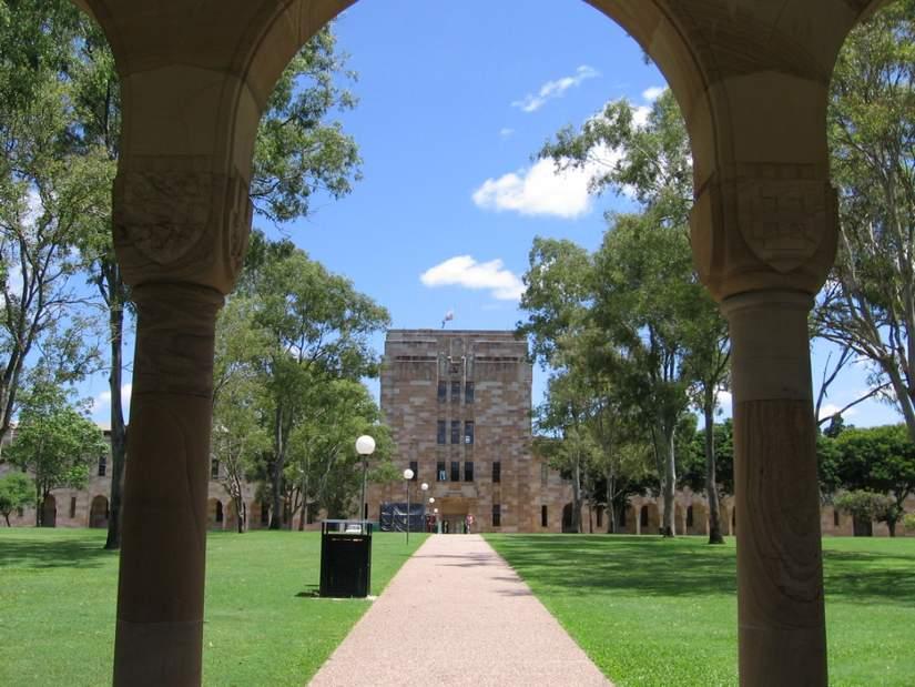 Стипендия для иностранных студентов от Central Queensland University в 2017