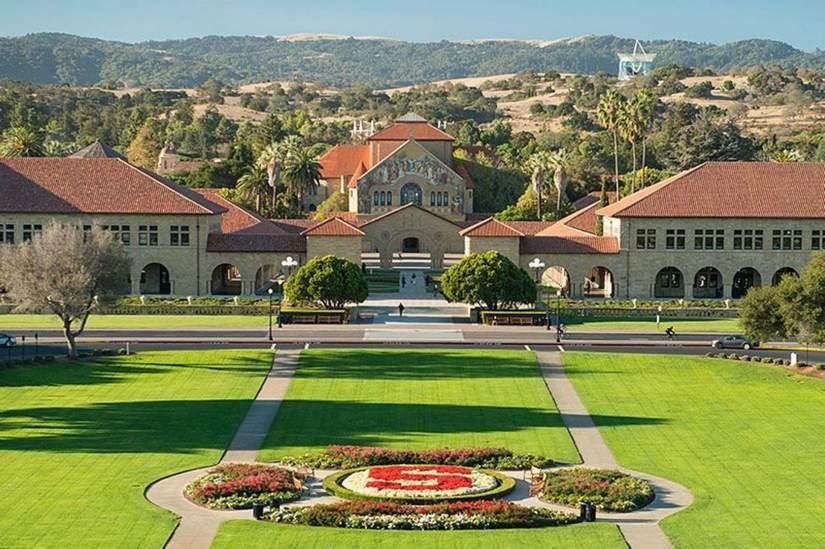 100 полностью финансированных стипендий Knight Hennessy от Stanford University в 2017