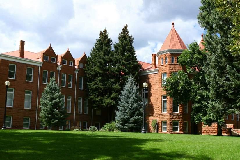 Стипендии для иностранных студентов от Northern Arizona University в 2017-2018