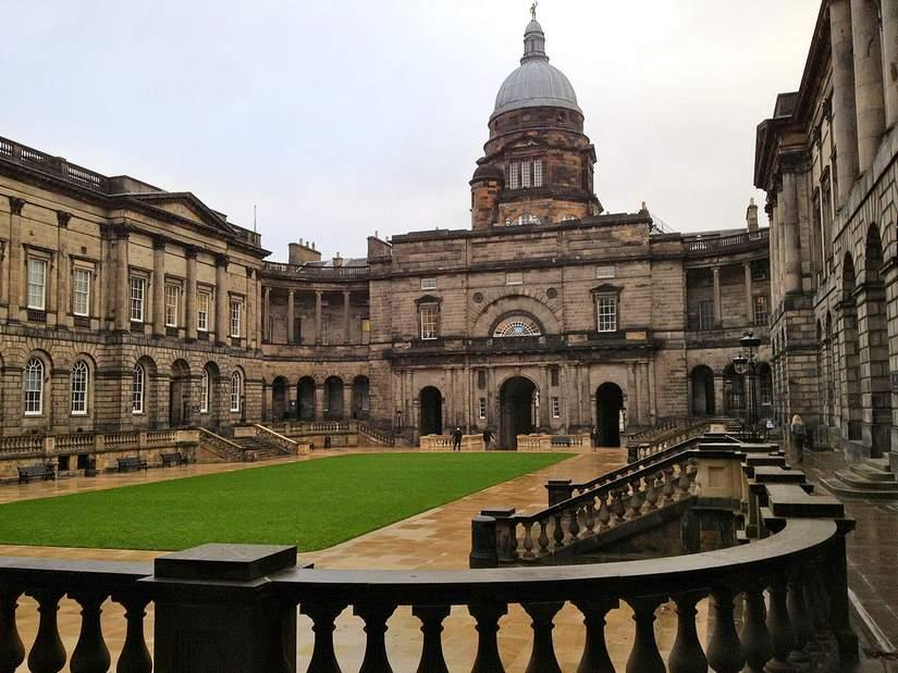 Бесплатный онлайн курс для иностранных студентов от University of Edinburg