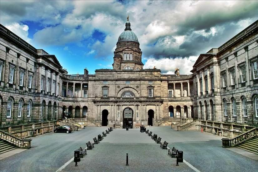 Стипендии для иностранных студентов от University of Edinburgh в 2018